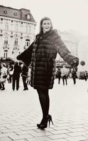 Katarína Brychtová v kožuchu Bortolami